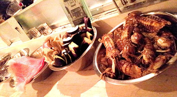 地元食材はシャコ、タコ、カスベ(アカエイ)など海産物が中心